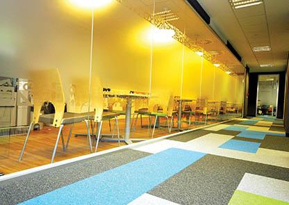 Les moquettes des bureaux doivent répondre à des normes strictes. Photo Balsan